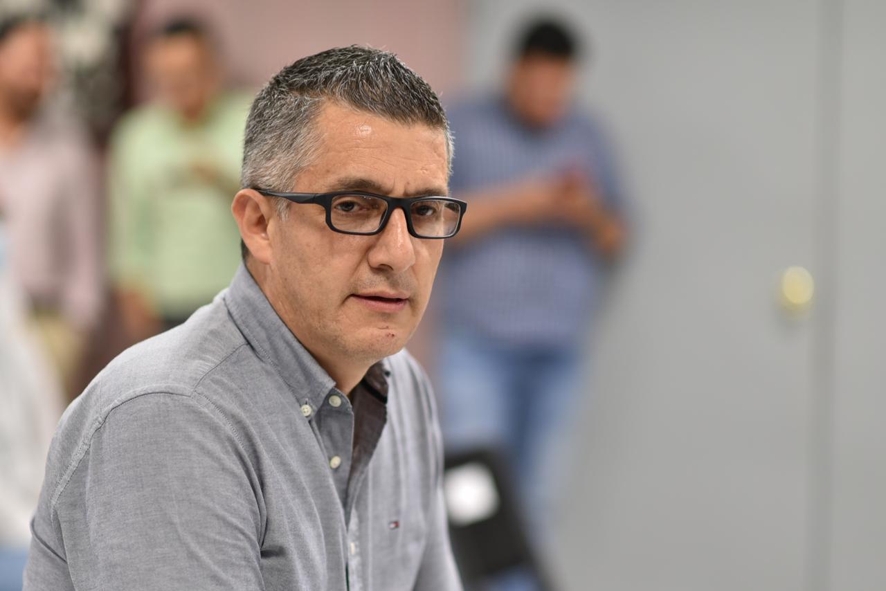 Diputado Emmanuel Vargas hace acusaciones de corrupción a Julen Rementería