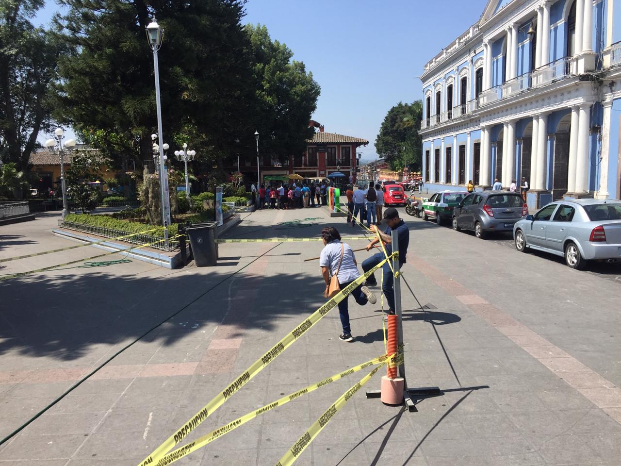 Desinfectarán 400 vehículos particulares en el municipio de Coatepec