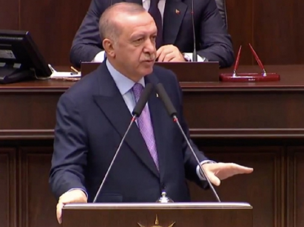 Erdogan pone fin al convenio para retener migrantes en Turquía
