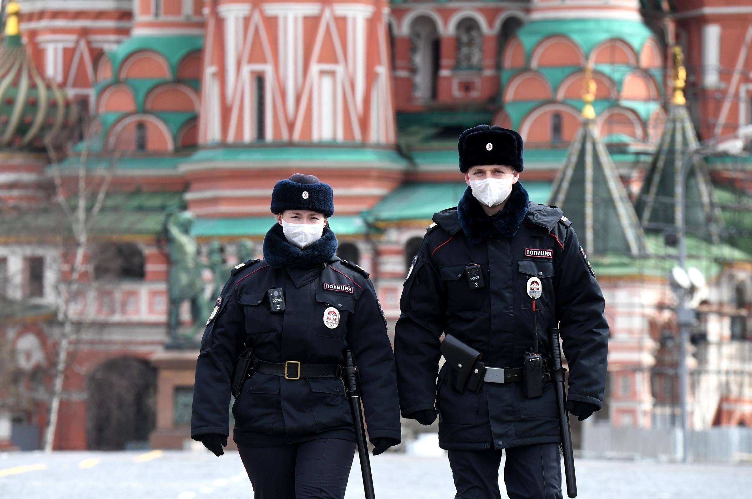 Casos por COVID-19 en Rusia aumentan en más de cinco mil