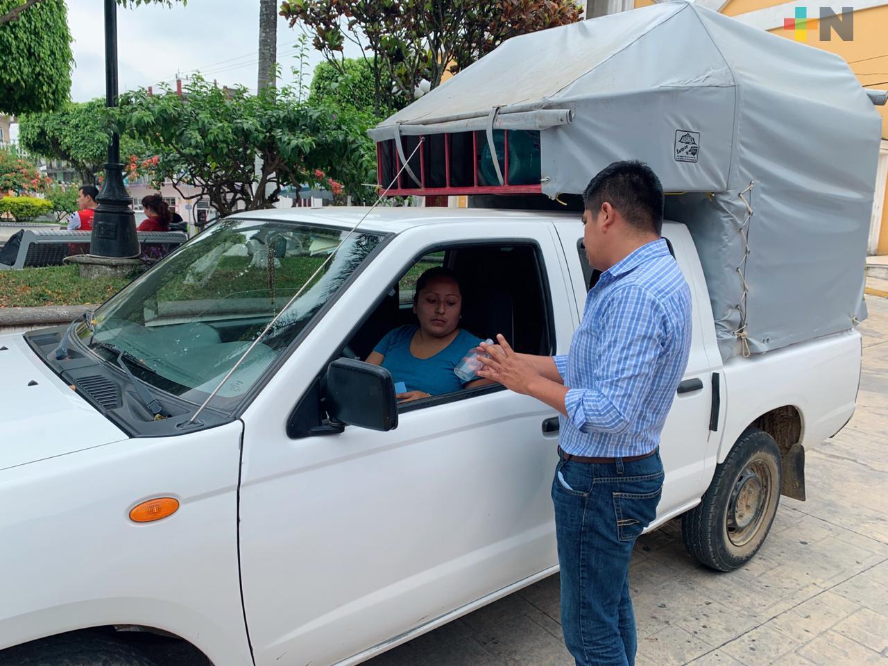 En Yecuatla capacitan a transportistas públicos sobre el Covid-19