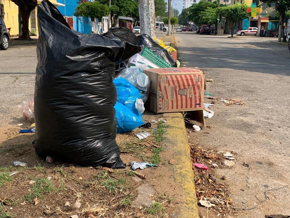 En Coatzacoalcos, población hace caso omiso a recomendación de no sacar basura