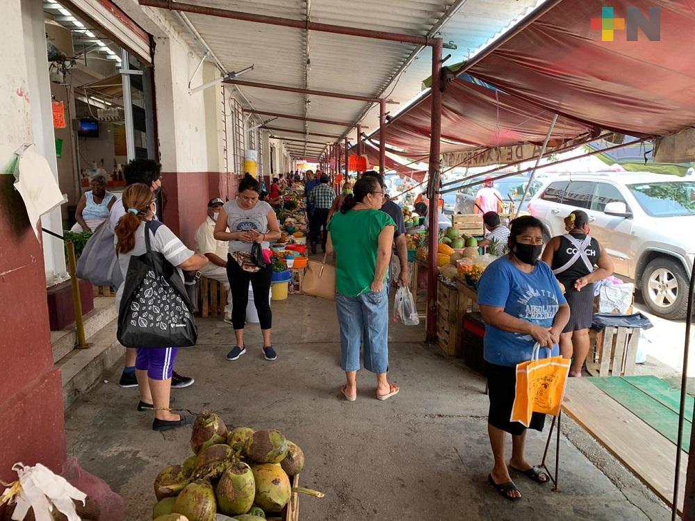 Para prevenir contagios, modifican horarios de atención en mercados de Coatzacoalcos