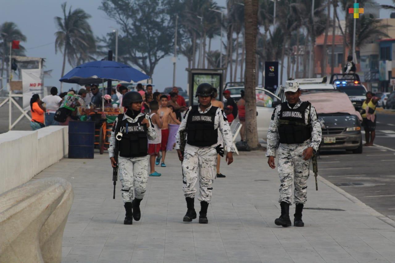 Desalojan a personas de la playa Villa del Mar