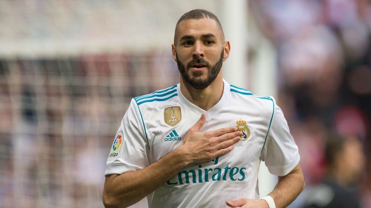 Karim Benzema subasta jersey autografiado para lucha contra Covid-19