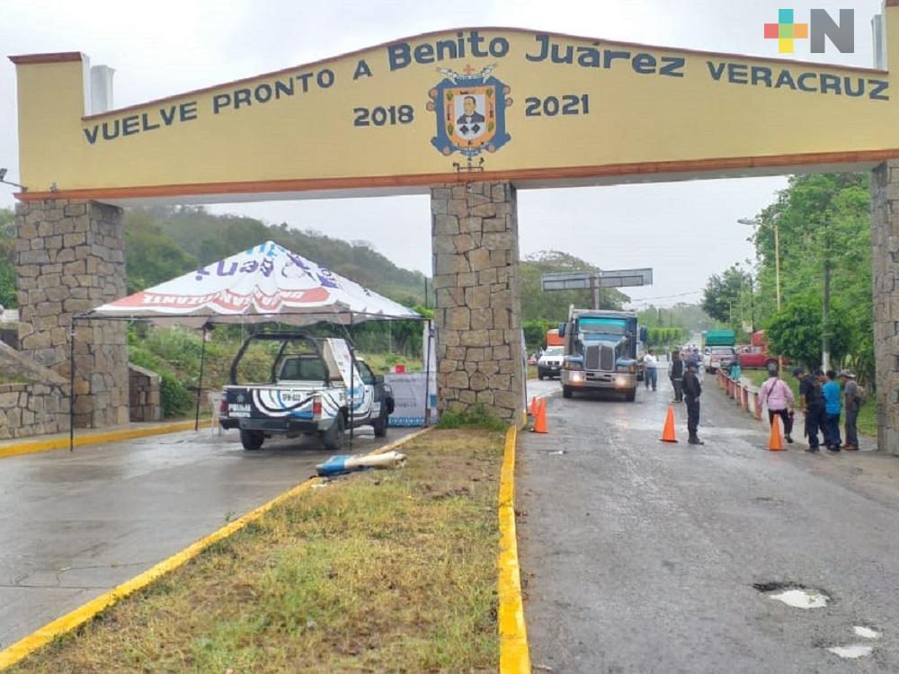 Por aumento de casos COVID-19, restringen paso de transporte público y privado hacia Benito Juárez y Chicontepec