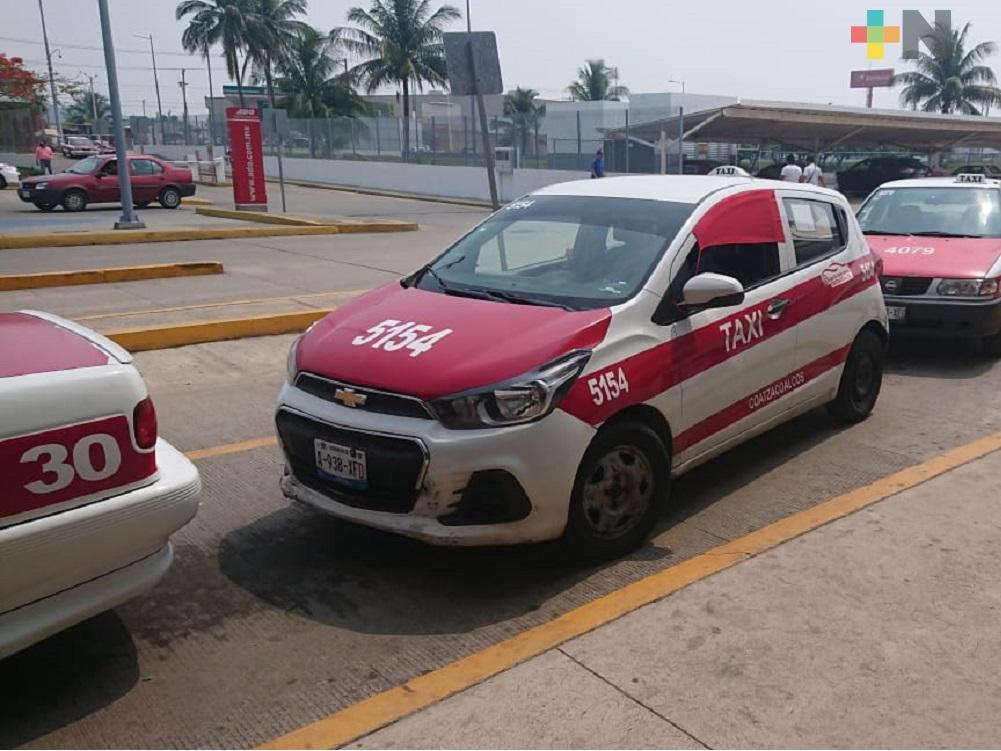 Disminuye trabajo para taxistas de terminal de autobuses de Coatzacoalcos