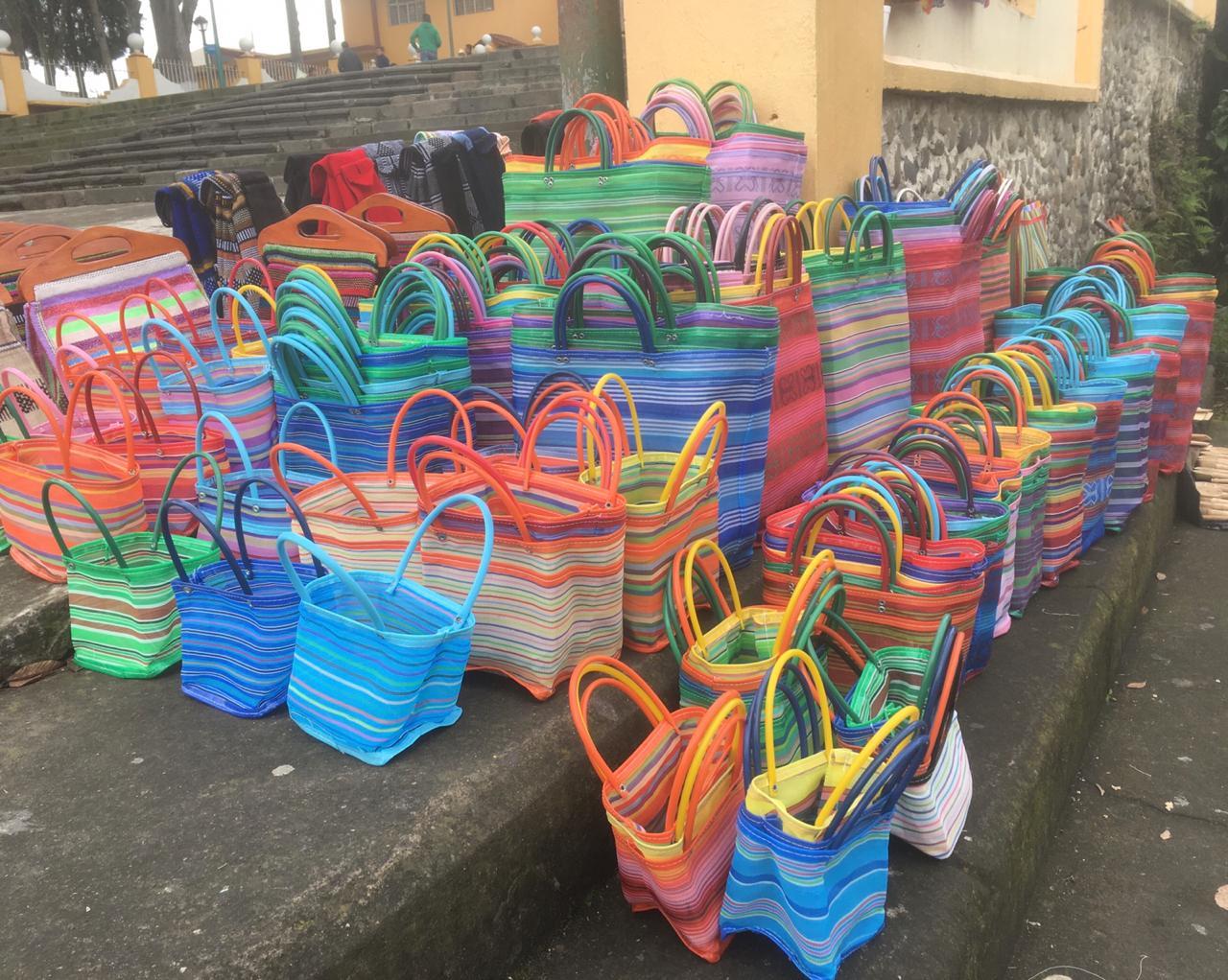 Xico y su venta de bolsas