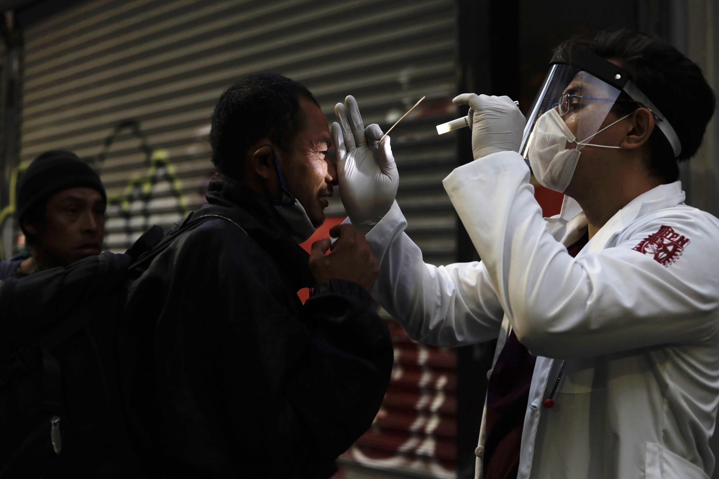 Ya suma México 105 mil 459 muertes por coronavirus