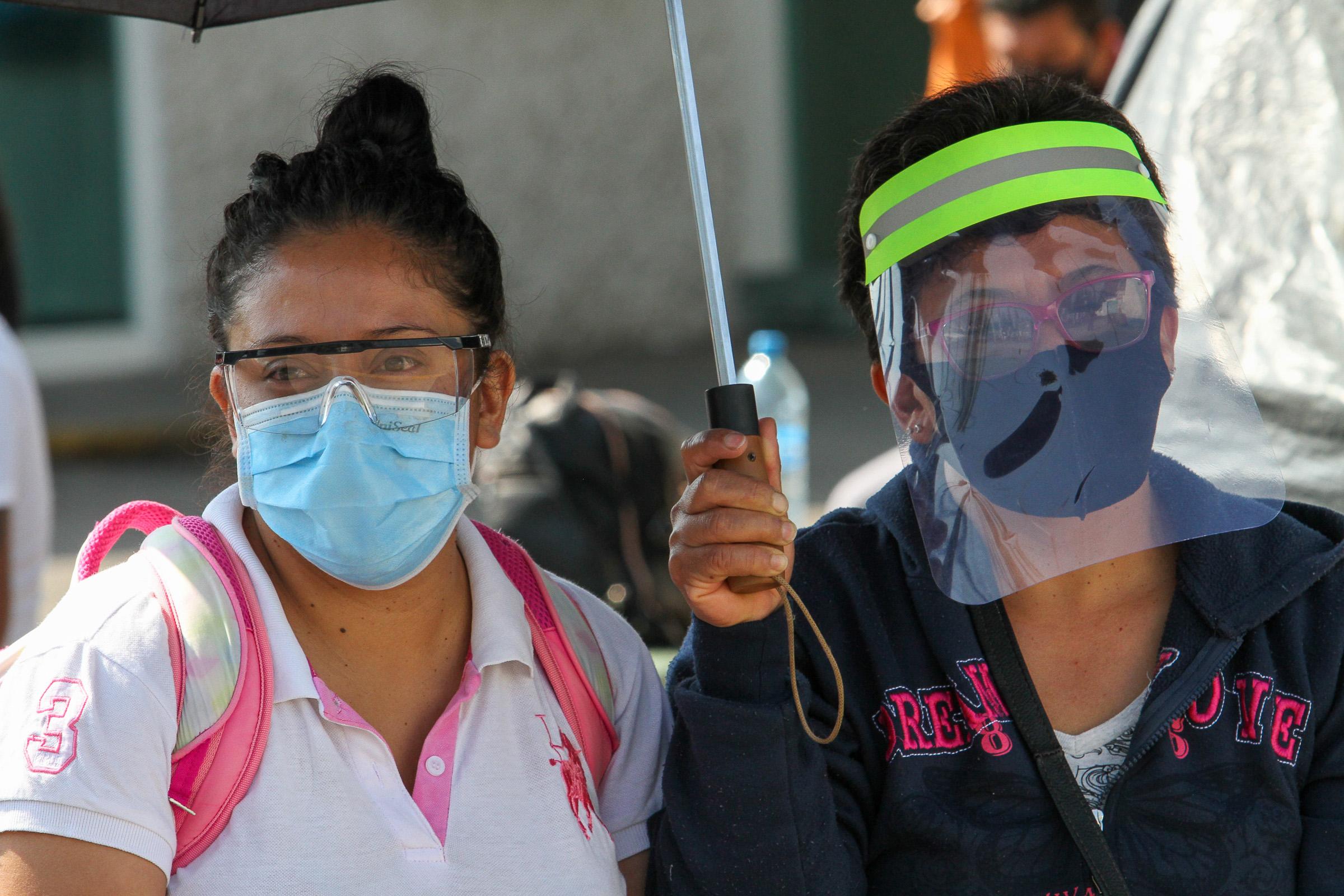 Hay 25,678 positivos a COVID-19 en Veracruz; a partir de este lunes 104 municipios en rojo