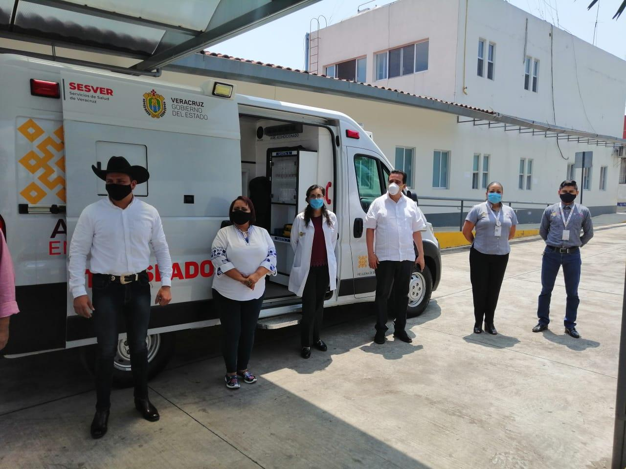 Agradecen ambulancia para el Hospital de Tlapacoyan