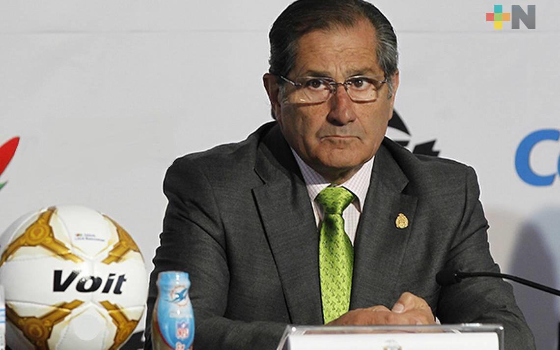 Edgardo Codesal desea éxito al nuevo Tiburón