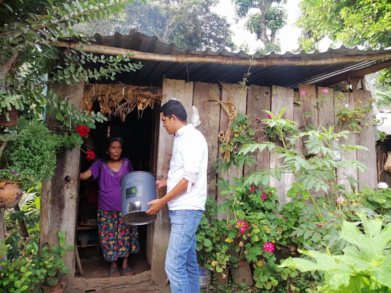 TecNM campus Xalapa entrega 17 estufas ecológicas a comunidades rurales de Veracruz