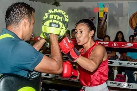 Litzy Vásquez proyecta debutar en el boxeo profesional