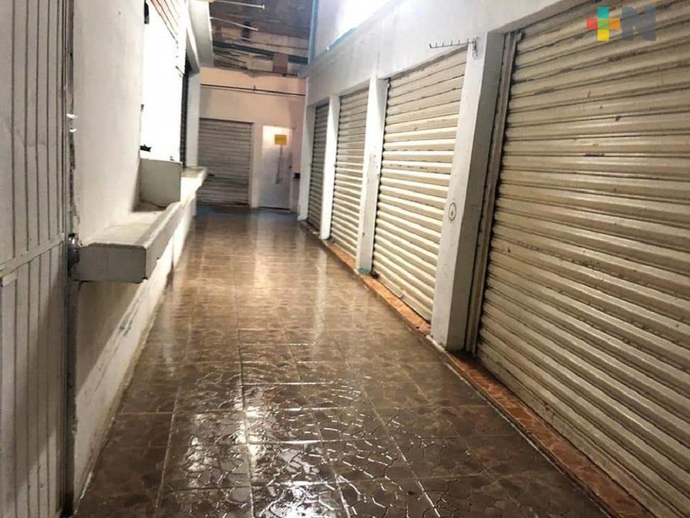 Mercado de Cosoleacaque cerrará al público; harán limpieza profunda para evitar COVID-19
