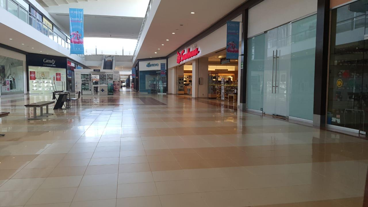 Plaza comercial de Coatzacoalcos se prepara para regresar a la nueva normalidad