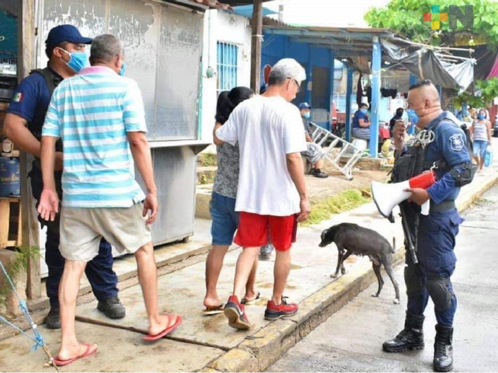 Policía estatal y municipal de Chinameca, exhortan al uso obligatorio de cubreboca