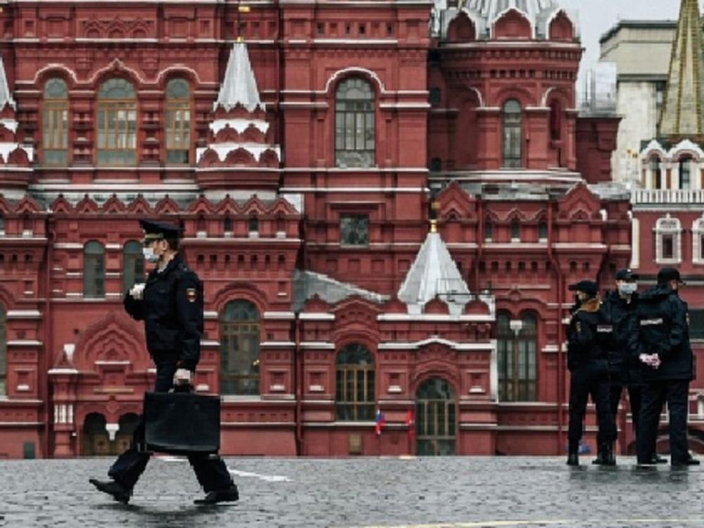 Rusia registra descenso en nuevos casos por COVID-19