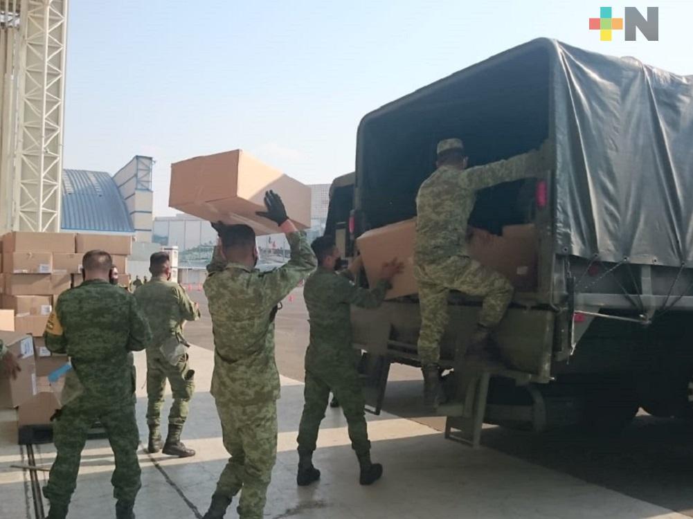 Sedena traslada equipo médico y material de protección a hospitales de Tuxpan