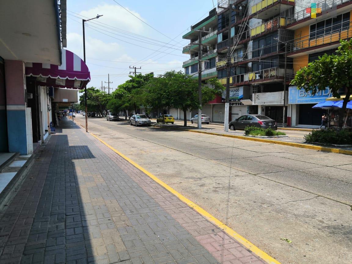 Cierre de calles y limpieza de espacios públicos contribuyen a evitar más contagios de coronavirus, opinan porteños