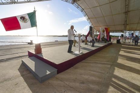 """""""Cuenta con un gobierno aliado"""", refrenda Cuitláhuac García al presidente López Obrador"""