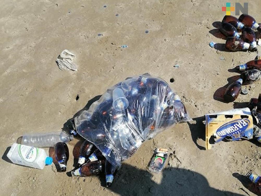 Ciudadanos reportan convivencias de jóvenes en playa de Coatzacoalcos
