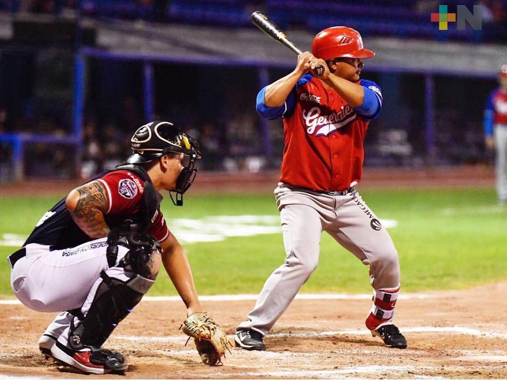 """Con ansías de jugar béisbol: """"Tato"""" González"""