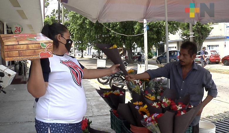 Familias de Coatzacoalcos celebran Día del Padre en medio de la pandemia de coronavirus