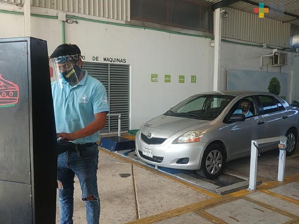 En Coatzacoalcos, exhortan a dueños de automóviles a realizar verificación