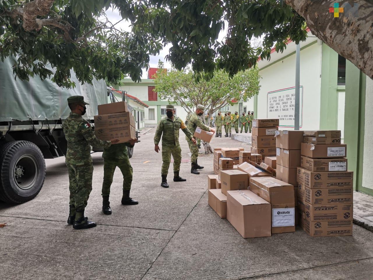 Suministra SEDENA medicamentos y material de curación en Tuxpan