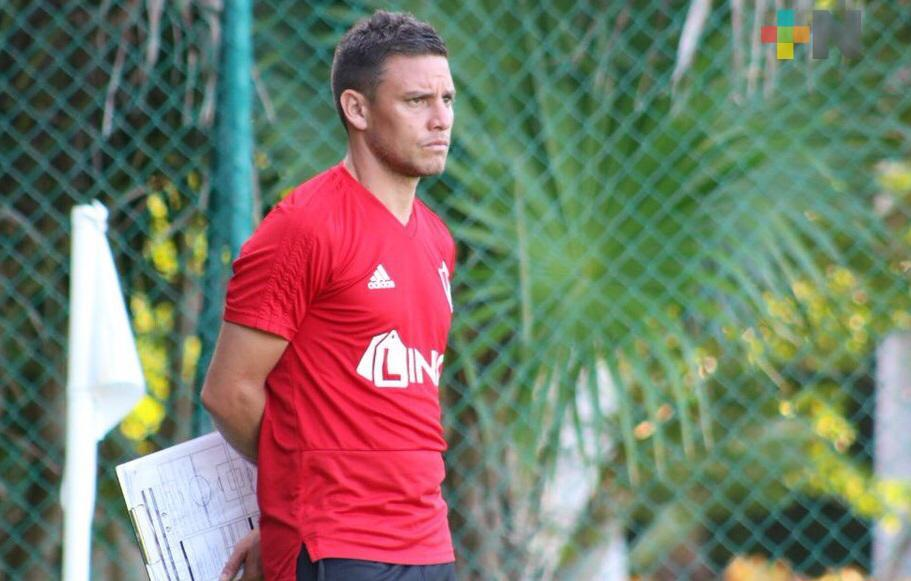 Lucas Ayala analiza contar con extranjeros en Atlético Veracruz