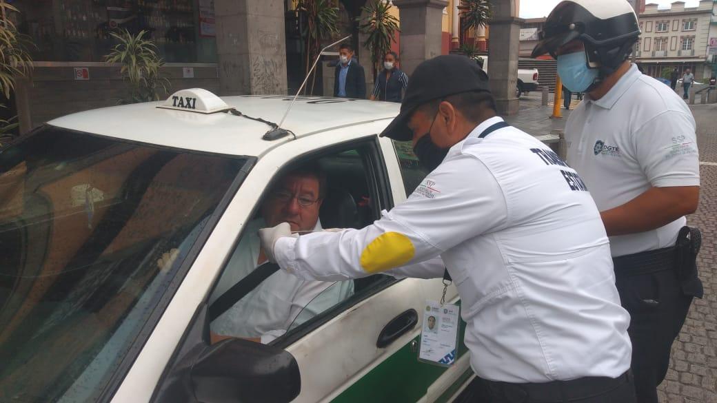 Refuerzan medidas sanitarias en transporte público de Xalapa, por COVID-19