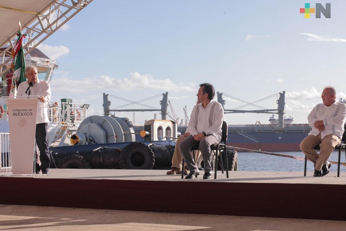 Tras sexenios de corrupción, es una bendición que Veracruz tenga un gobernador honesto, dice AMLO sobre Cuitláhuac