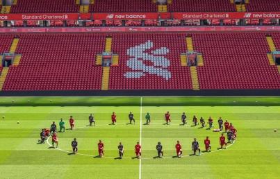 Liverpool se une a protestas por asesinato de George Floyd