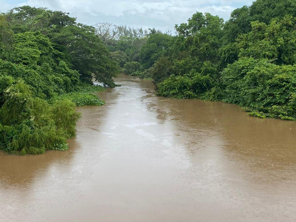 Continuarán lluvias, SPC pide estar atentos al ascenso del río Cazones
