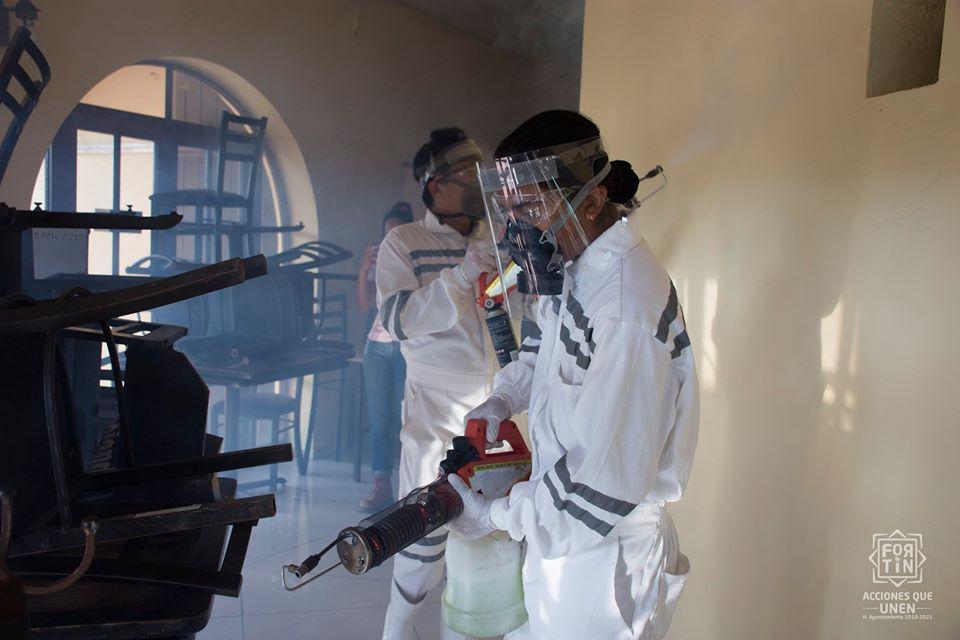 CAEV y SEV desinfectan escuelas en Tuxpan