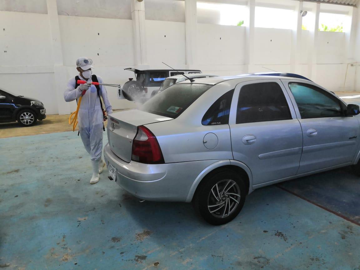 Realizan desinfección de vehículos particulares de forma gratuita en Coatzacoalcos