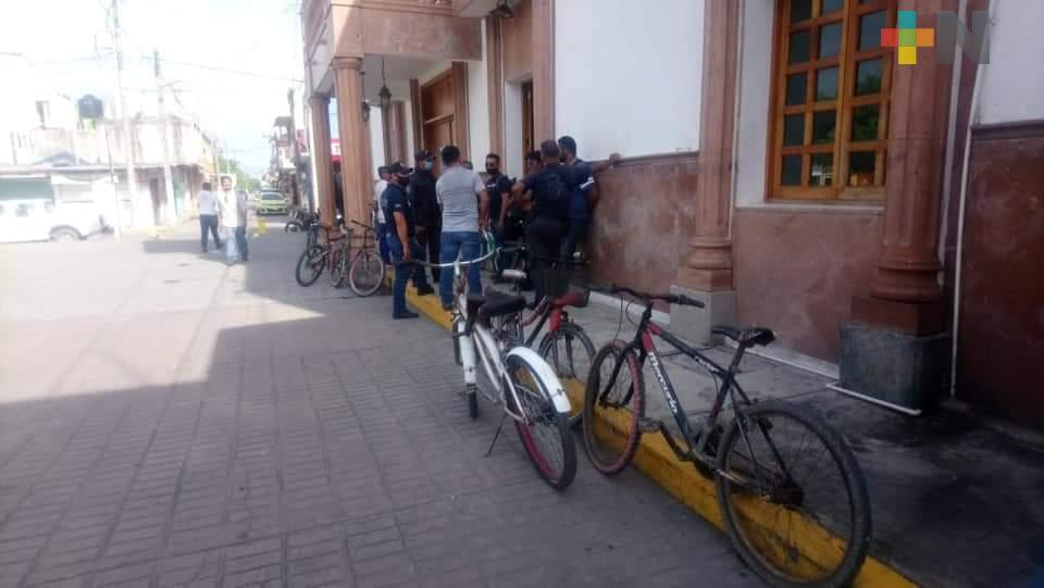 Policías de Tecolutla se manifiestan, exigen trato justo y adecuadas condiciones laborales