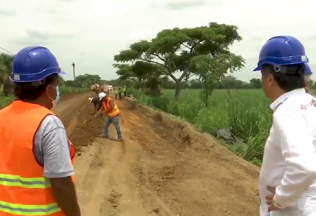 Supervisa gobernador de Veracruz avances de construcción del camino Chacaltianguis–Carlos A. Carrillo