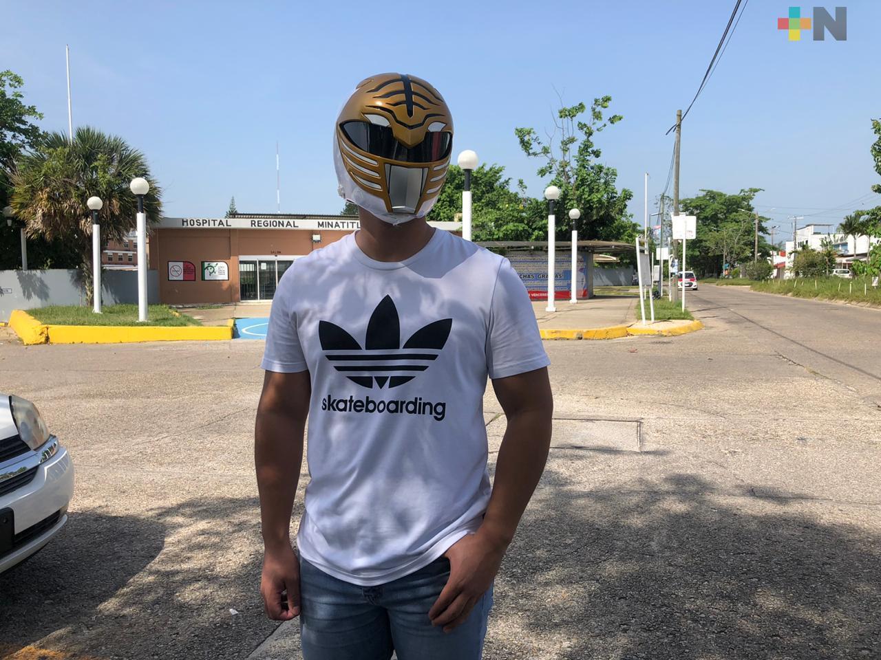 De camillero en hospital de Minatitlán, a un Power Ranger