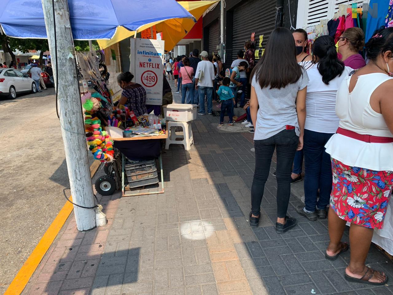 Comerciantes de Coatzacoalcos solicitan se endurezca los exhortos a los vendedores ambulantes
