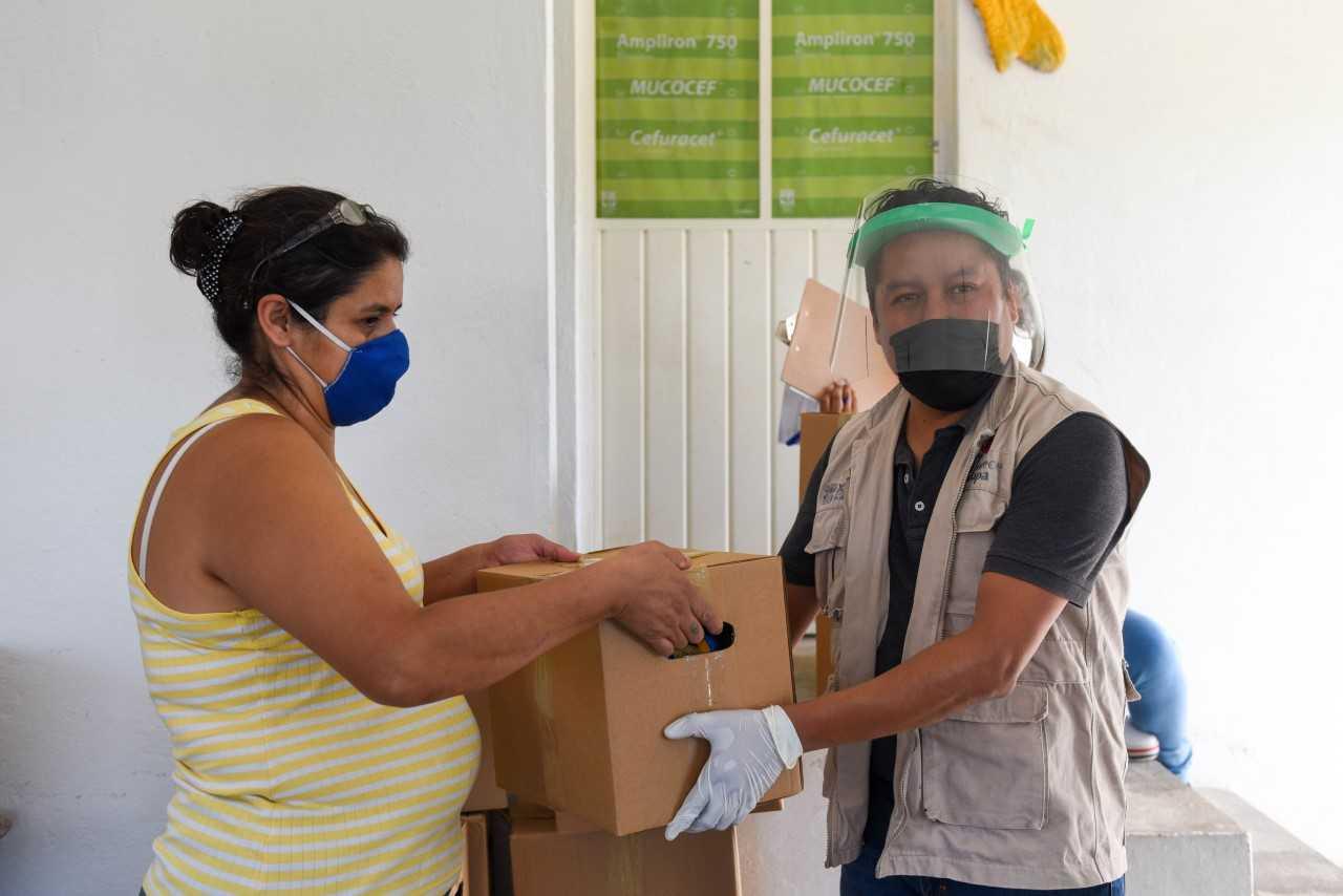 Ayuntamiento de Xalapa continúa entregando despensas en Centros de Gestión Comunitaria