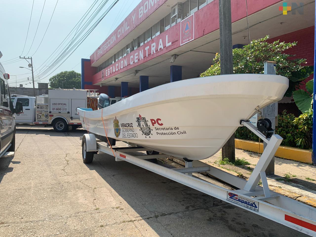 Gobierno estatal entregó parque vehicular a PC Coatzacoalcos