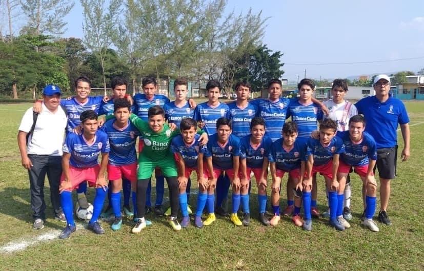 Atlético Huracán campeón juvenil B, en Liga Municipal