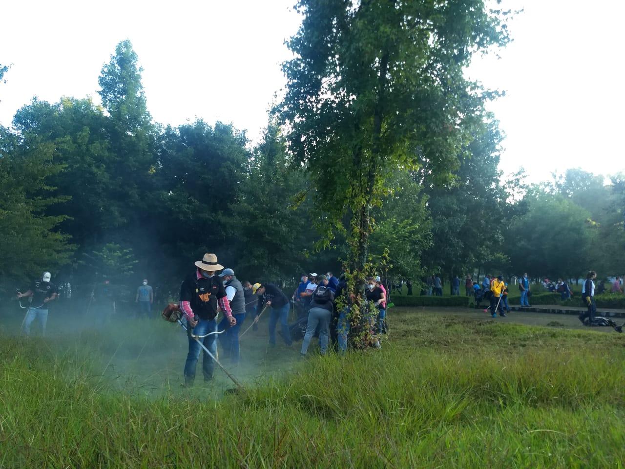 Continuaron jornadas de limpieza en áreas verdes de Xalapa