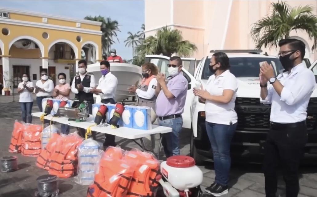 Entregó Gobierno de Veracruz equipamiento a Protección Civil de Tlacotalpan