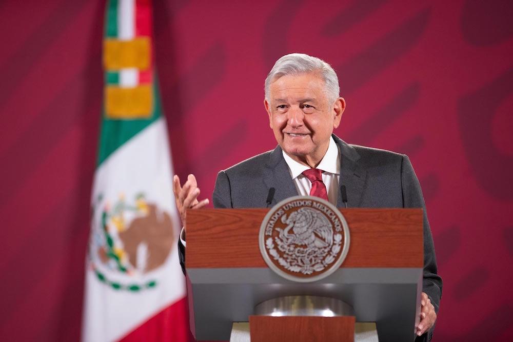 Presidente reconoce a gasolineros aliados del consumidor; refrenda compromiso de no aumentar precios de combustibles