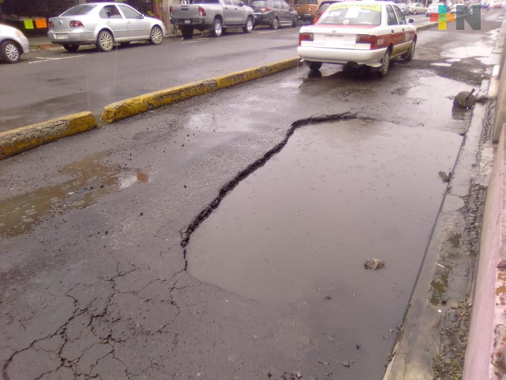 Ayuntamiento de Veracruz, sin atender problemas de baches en zonas concurridas