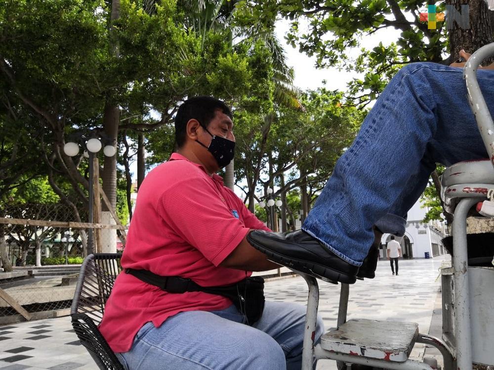 Boleros del Zócalo de Veracruz regresan a trabajar
