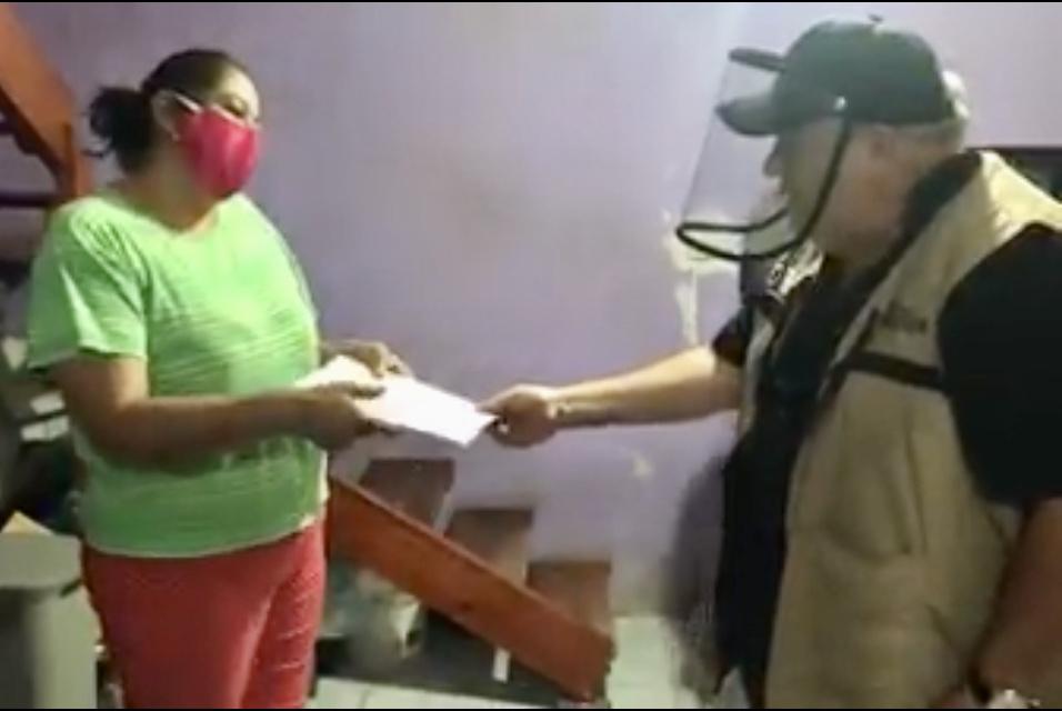 Entregan apoyos del Programa Emergente de Vivienda, en Xalapa